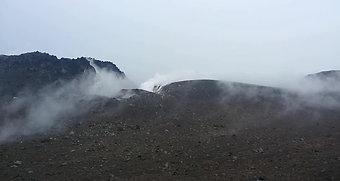 樽前山 山頂から見た溶岩ドーム