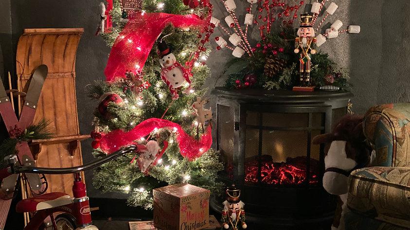 Hub Town Cozy Christmas Channel