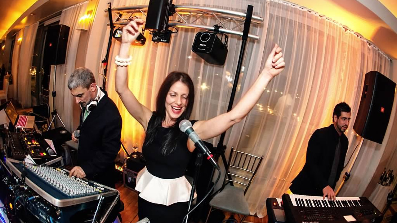 Dj Sava, Olympia & the Mylos Party Band