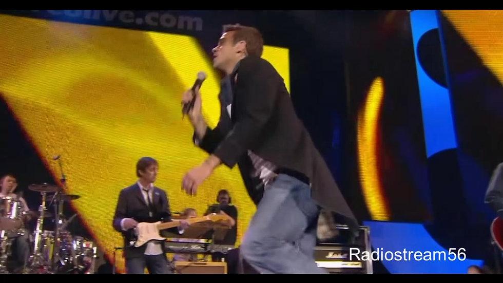 Robbie Williams - Feel (live)