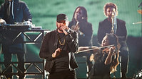"""Eminem Performs """"Lose Yourself"""" at Oscars 2020"""