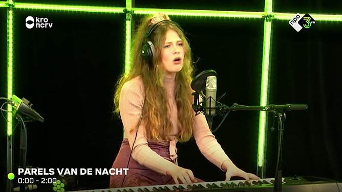 November - Nana M. Rose live at 3fm
