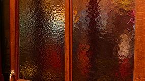 16 11 08 Swinging door