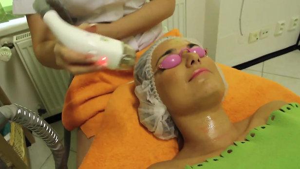 Salon Annette - Kompletní facelifting laserem