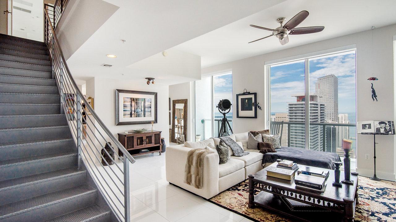 Vizcayne Penthouse 4907