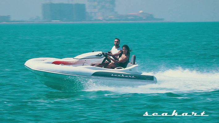 Cruising Dubai