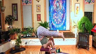 YOGA: Playing with Inversion on FeetUp