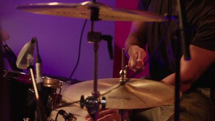 Josh Sahunta - Live Off The Floor (Episode 1)