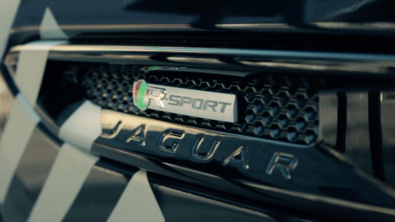 Jaguar presentazione AWD