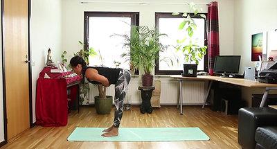 CORE Yoga cơ bản bài 5: Con Quạ