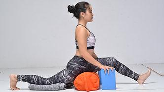 SOLAR #16: Hanumanasana 2/2 : Hip Flexor Stretch