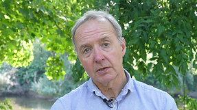Dr Jonathan Leach