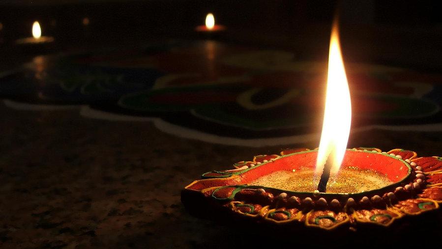 Yogini Shambhavji LIGHTING THE SACRED FLAME OF THE DIYA IN VEDIC THOUGHT