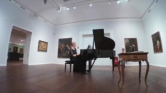 Viktor Ullmann: Fra 'Klaversonate op. 19' - Kristine Throrup