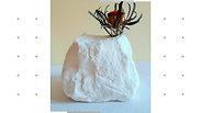 Avec les vases - sculptures de Brune