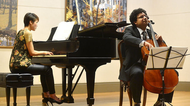 Ismar Gomes - Cellist