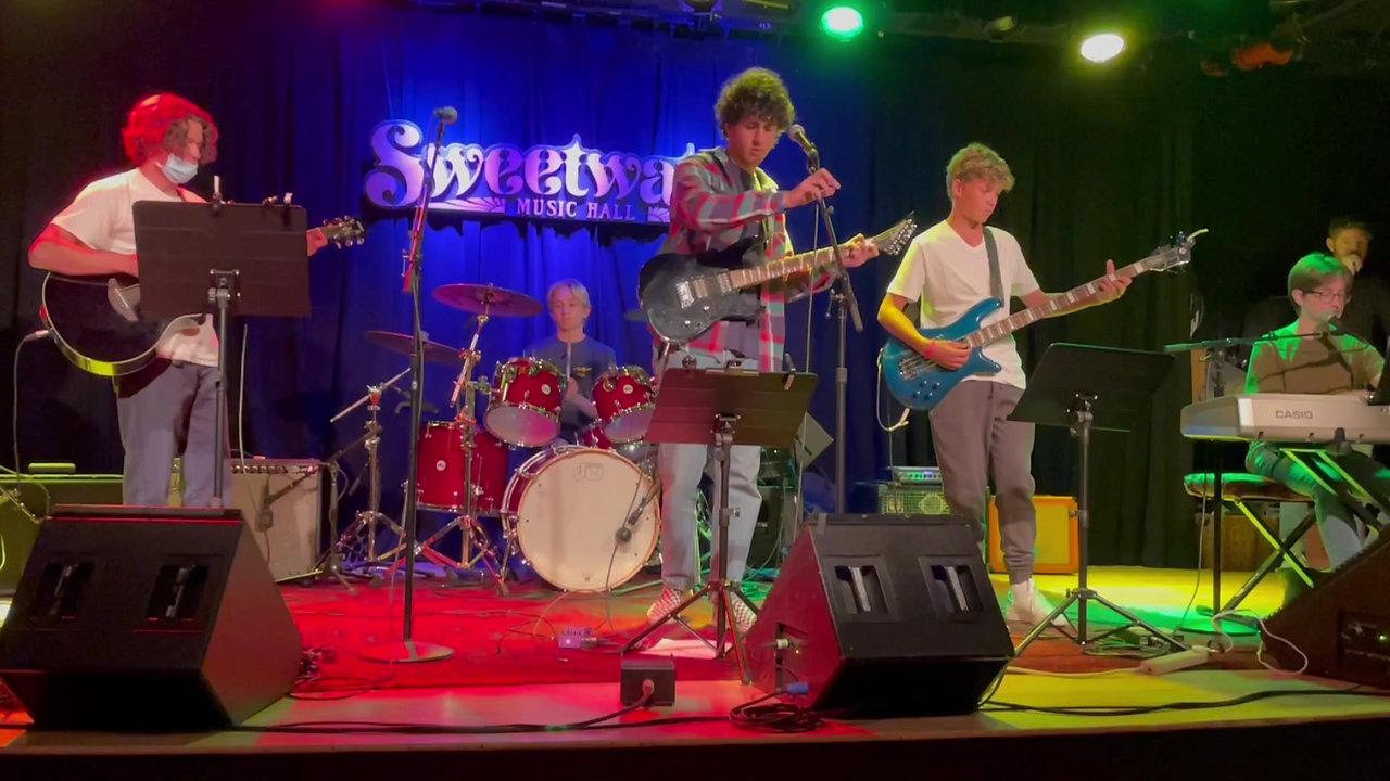 WOW! Music Stuios - Sweetwater Band Open Mic Night