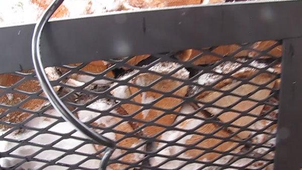HOLYSMOKES Firewood Elevator