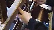 Hand weaving a small braid