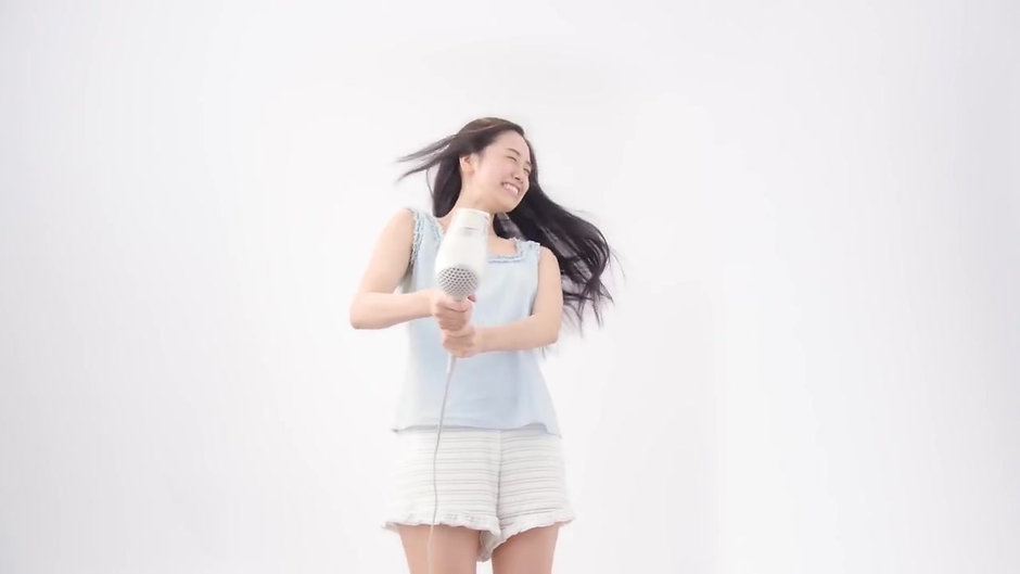 TESCOM Collagen, Platinum & Nano-Sized Mist World voltage Hair dryer (White)