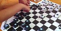 ילדות בנות 7 משחקות ׳פרונטירז׳