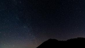 """赤城山の夜明け前の星空   Predawn starscape at Mt.Akagi, """"My God, it's full of stars!""""."""