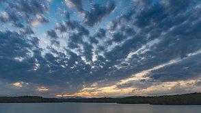 狭山湖の夕焼け A sunset at Sayama  Water Reserve in October.
