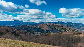 遥か関東山地連山を望む   A distant view of Kanto Mountain range.