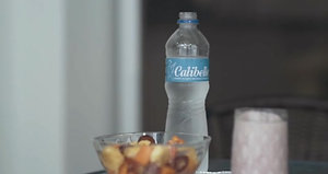 Cápsula 3 serving food