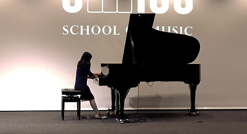 Emmeline Chloe Hadeli (8 Jahre)