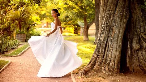 Ludivine Guillot Créatrice | Collection robe de mariée 2017 by Tony Avenger Photographe