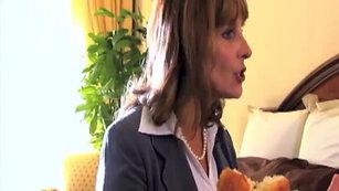 Susan Damante - Comedy clip