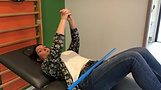 Mobilisation de l'épaule en flexion 1