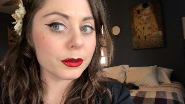 Easy Glitter Lip Tutorial