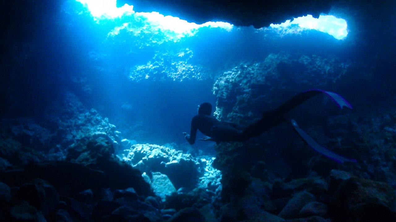 Freediving Lanzarote - Lava Tubes