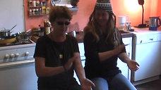 Handclapspaß mit Sonja und Juli