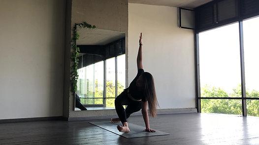 Clase de Vinyasa Yoga - Movilidad de Cadera