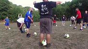 "Kieler Fußballtruppe ""Kielo Kickers"" kämpft gemeinsam gegen - SAT1 Regional"