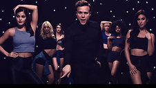 Olly Murs: Wrapped Up   finishing