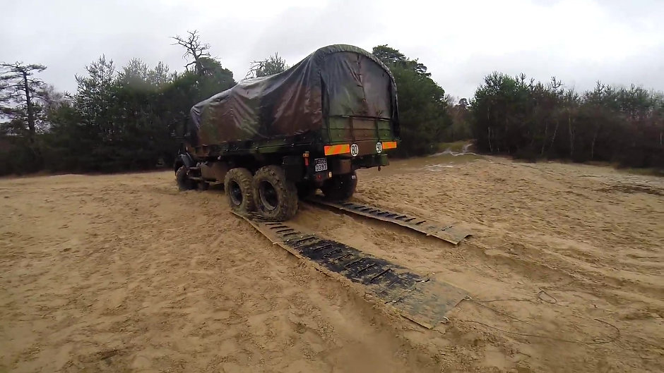 Mustmove Vehicle Recovery Mat  1