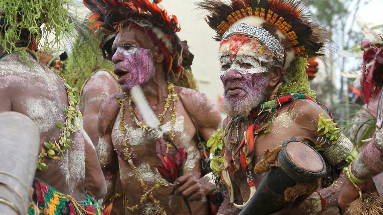 PAPUA NEW GUINEA                      TRIBES OF THE GOROKA SHOW
