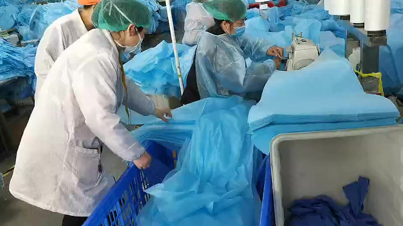 Qualitätskontrolle medizinischer Schutzkittel durch CORE Medical