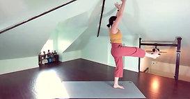 Power Yoga | Quad Strength