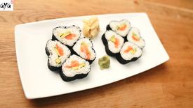 Herzförmige Sushi-Rolle