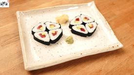 Sushi a forma di triangolo