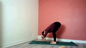 Hatha Yoga Traditionnel - Etirement profond des jambes