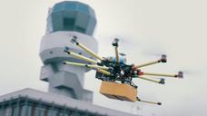 Drone levert noodmedicatie aan Schiermonnikoog