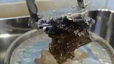 Bismut kristalının əmələ gəlməsi