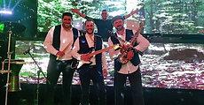 להקת מזוזיקה ודי ג׳יי איתמר גבע