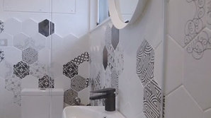 Ep.11- Tiny Apartment - Bathroom